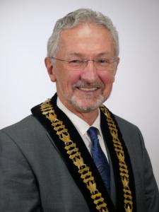 Photo of Mayor Leonard Krog